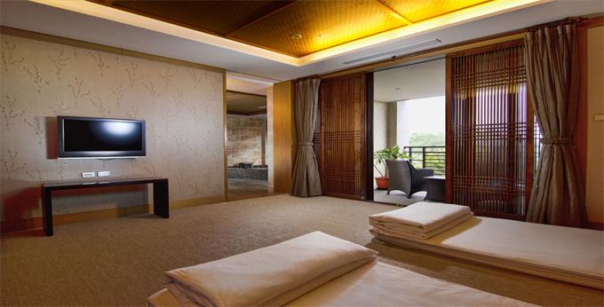 高雄花季度假饭店房间室内图、外观图