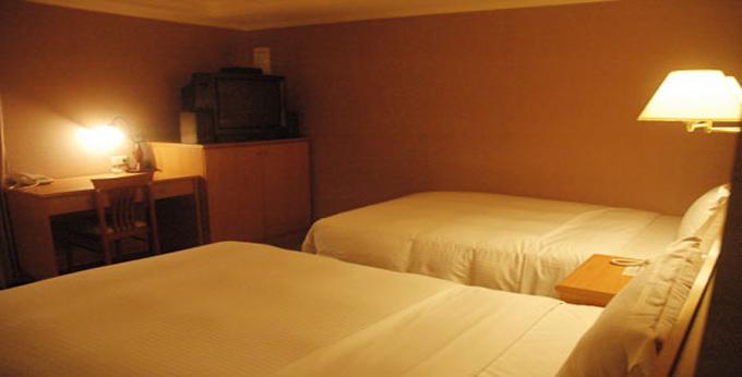 台北上华旅栈房间室内图、外观图