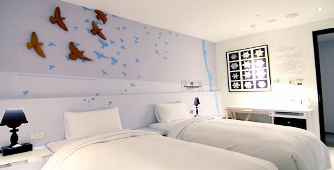 台北新驿旅店西门捷运店房间室内图、外观图